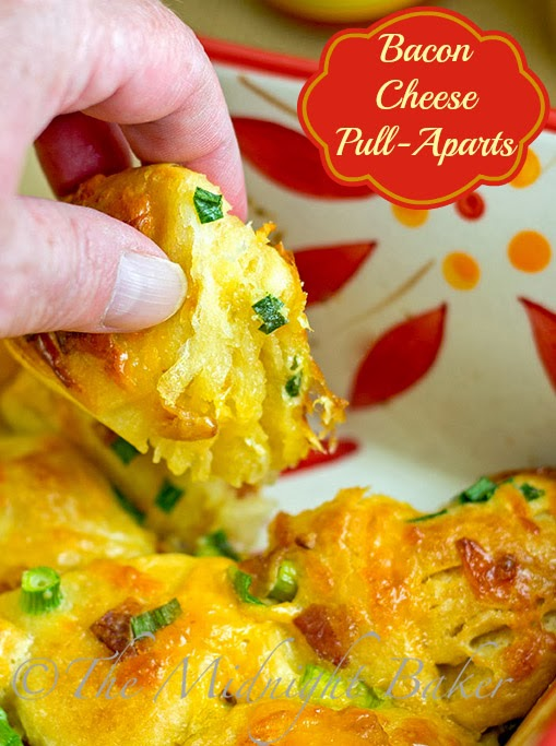 Bacon Cheese Pull-Aparts #appetizers #RefrigeratedBiscuitRecipes #DinnerRolls