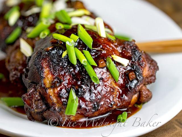 Slow Cooker Chicken Teryaki | bakeatmidnite.com | #slowcooker #crockpot #teryakichicken