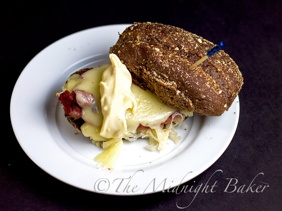 Bi-Coastal Mini Reubens #ReubenSandwich #SuperBowl