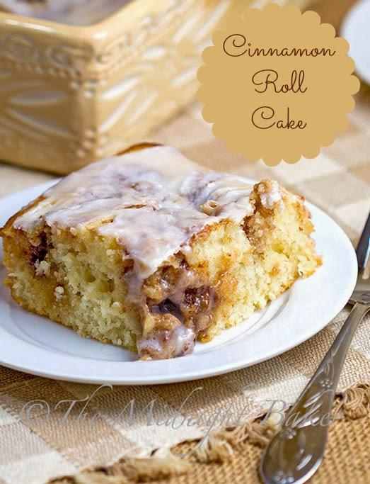Cinnamon Roll Cake | bakeatmidnite.com | #CinnamonRollCake #CoffeeCakes #EasyCinnamonRolls