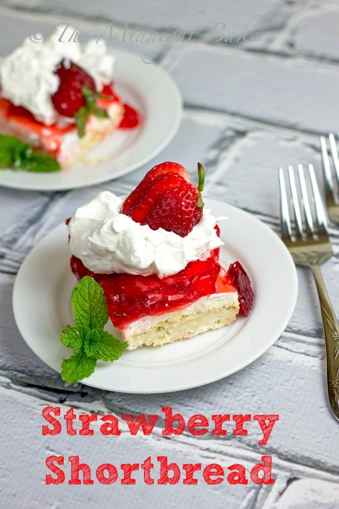 Strawberry Shortbread #Driscollsberry #StrawberryShortcake #desserts