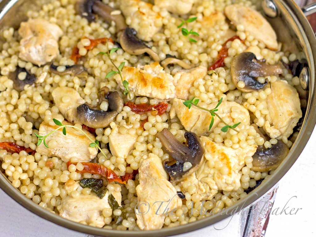 Chicken with Herbed CousCous | bakeatmidnite.com | #30minutemeals, #chicken #couscous