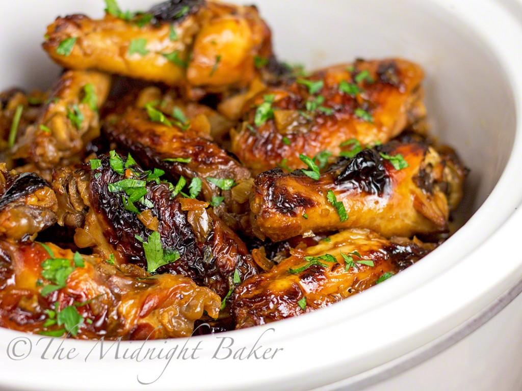 Slow Cooker Asian Orange Wings | bakeatmidnite.com | #chickenwings #appetizers #slowcooker #crockpot