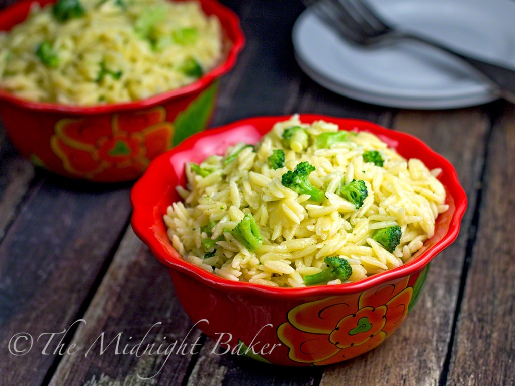 Three Cheese Orzo with Broccoli | bakeatmidnite.com | #orzo #asiago #fontina #sidedish