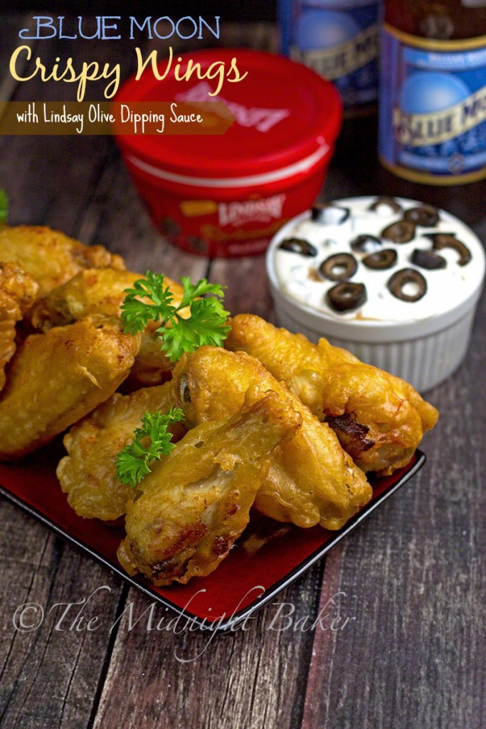 Blue Moon Crispy Wings with Lindsay Olive Dipping Sauce | bakeatmidnite.com | #wings #HolidayAdvantEdge #ad