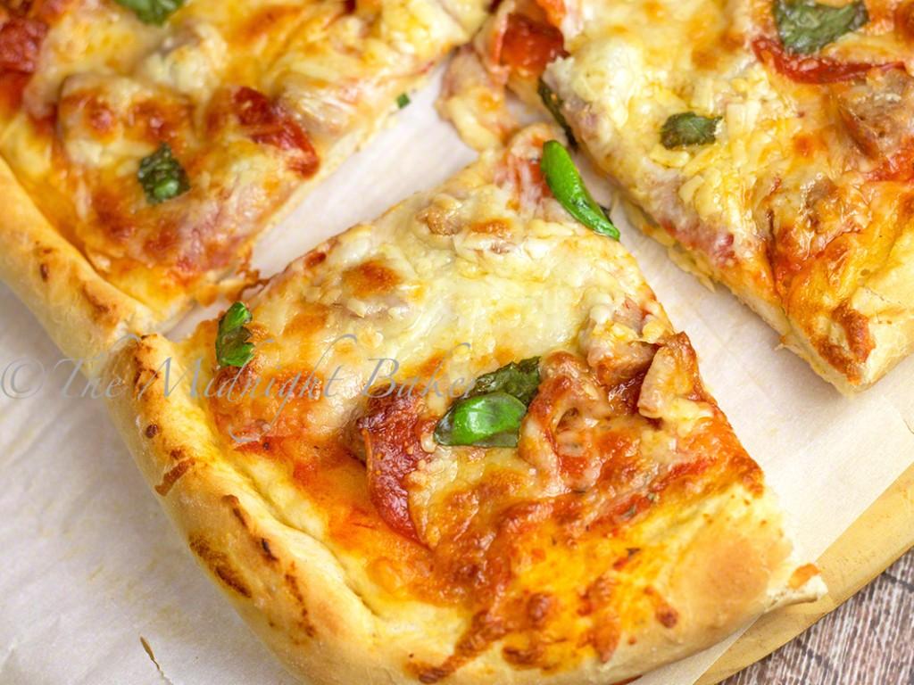 3-Cheese Pepperoni & Sausage Pizza | bakeatmidnite.com | #pizza #sausage #pepperoni