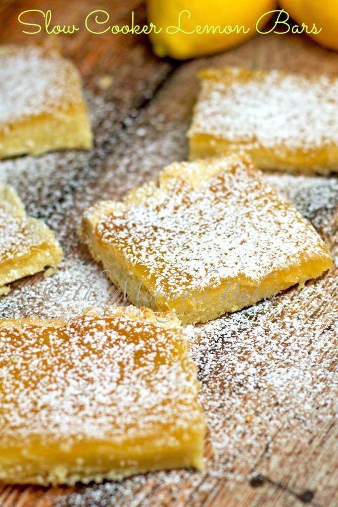 Slow Cooker Lemon Bars   bakeatmidnite.com   #slowcooker #crockpot #desserts #lemonbars