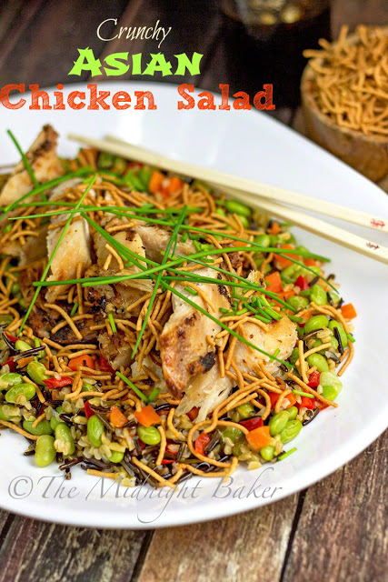 Crunchy Asian Chicken Salad | bakeatmidnite.com | #chicken #healthy #FastFreshFilling #PMedia #ad