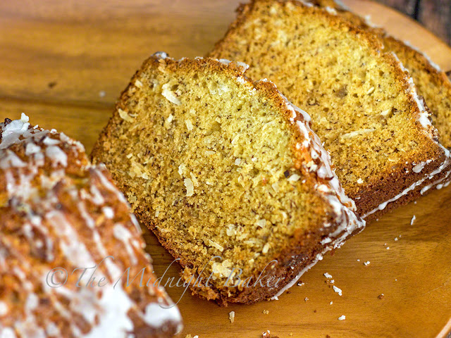 Jamaican Banana Bread | bakeatmidnite.com | #banana #bread #coconut #recipe