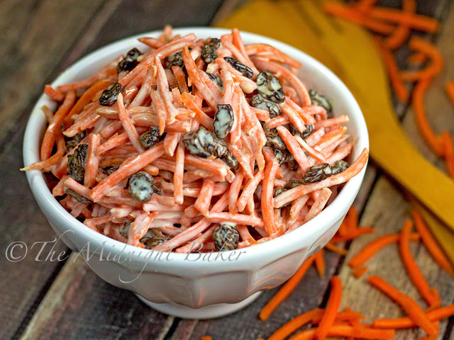Carrot and Raisin Salad | bakeatmidnite.com | #carrots #raisins #salad