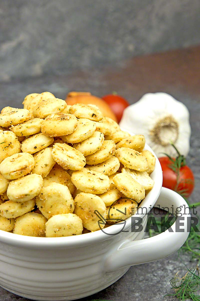 Wonderful and addictive snack crackers flavored with cool ranch seasoning and a hint of tangy lemon!