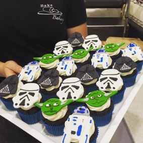 themed-cupcakes-starwars
