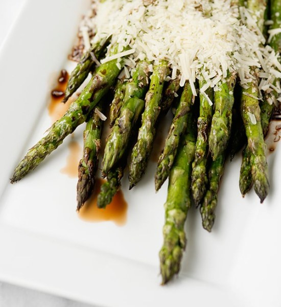 grilled asparagus with balsamic and parmesan