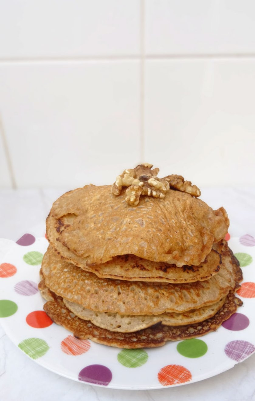 Fluffy vegan pancakes recipe with banana and walnuts #vegan #pancakes #brunch #recipe