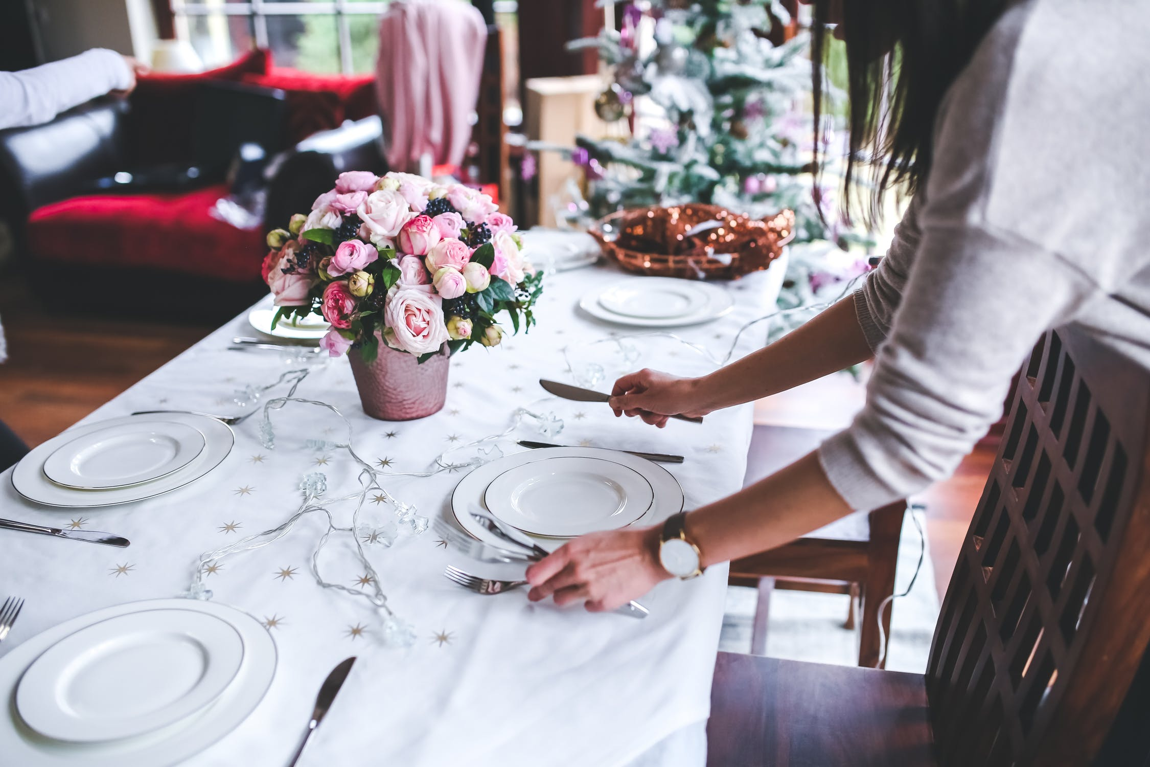 Make Your First Dinner Party a Success with These Top Tips