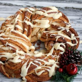 Cinnamon Roll Wreath with glaze on top