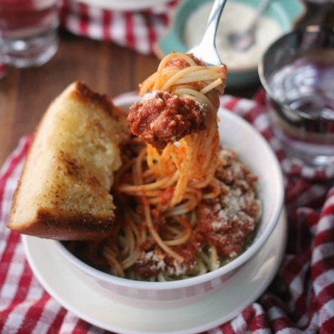 Spaghetti with Roasted Tomato Sauce and garlic bread