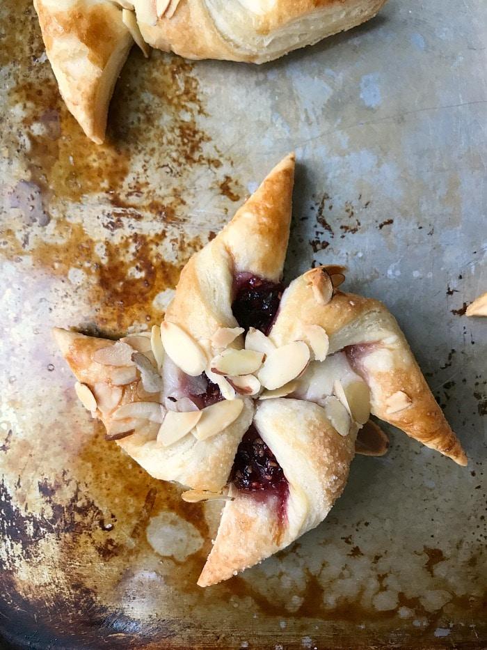 Pinwheel shaped danish using puff pastry