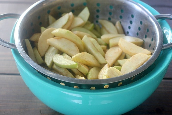 Raw apple pie slices