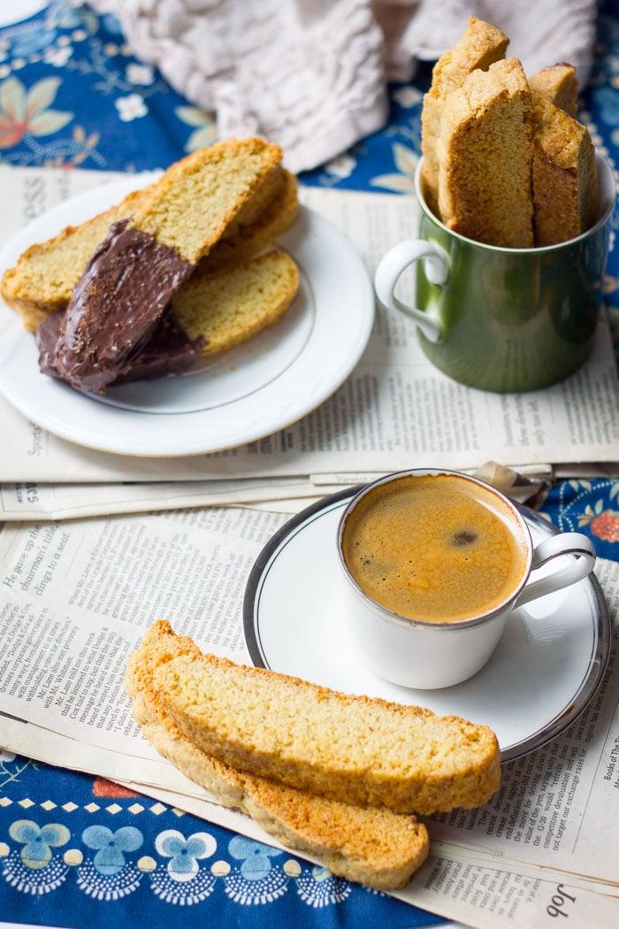 Basic Biscotti & Chocolate Dipped Biscotti