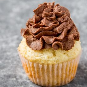 Cupcake frosting with whipped chocolate ganache frosting
