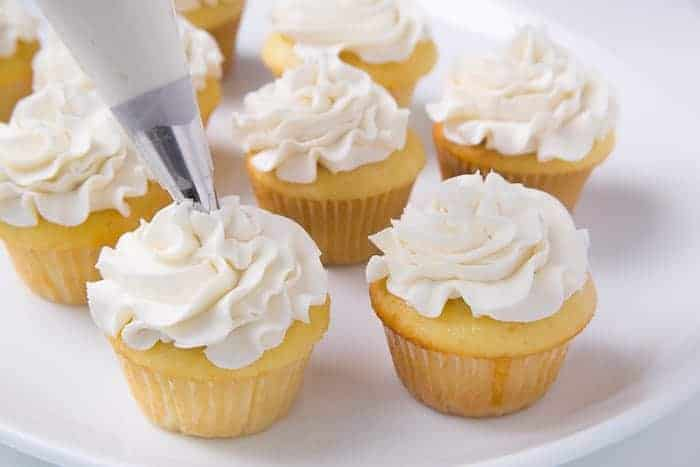 Frosting cupcakes with swiss meringue buttercream