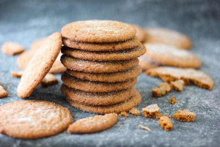 Crispy Gingersnap Cookies with Fresh Ginger
