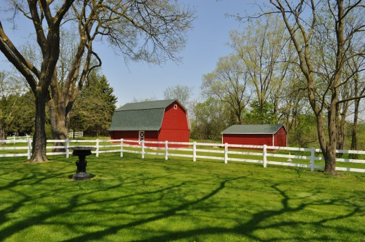 2 Outbuildings Including a Barn