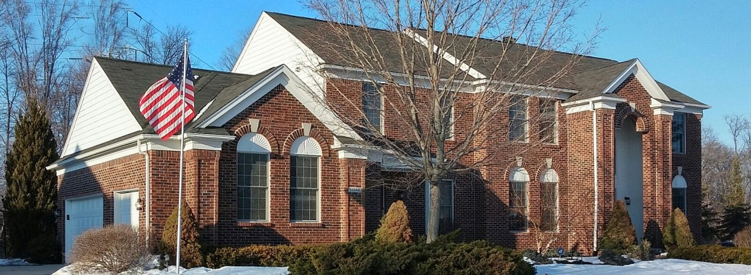 51148 Plymouth Lake Ct in Plymouth Michigan's Country Club Village
