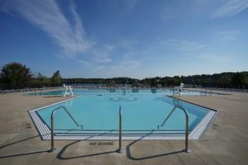 Island Lake Pool