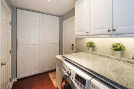 Granite Countertop and Storage