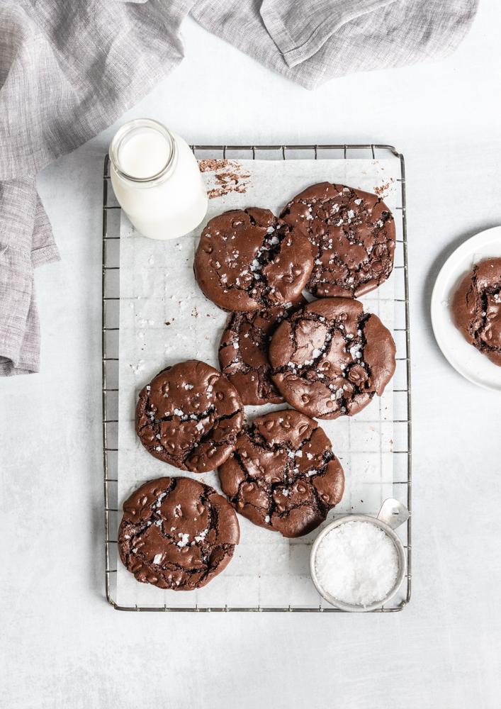 flourless chocolate cookie with sea salt