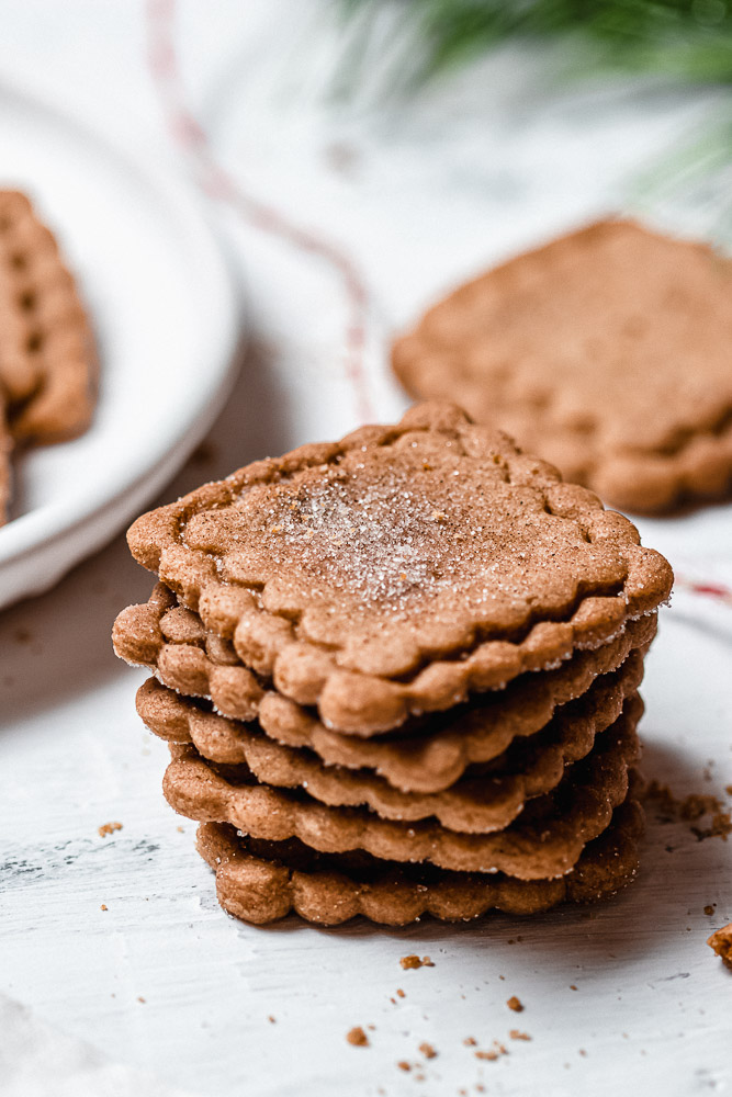 stacked speculoos cookies