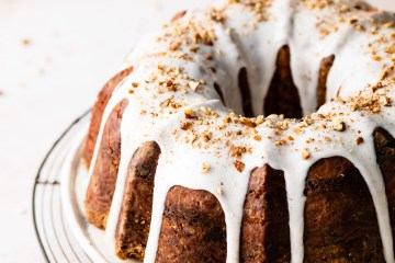 close up of cinnamon bundt cake