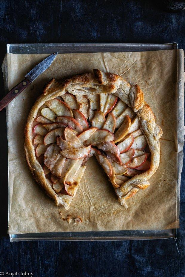 apple cinnamon almond galette-1-18-01198643705..jpg