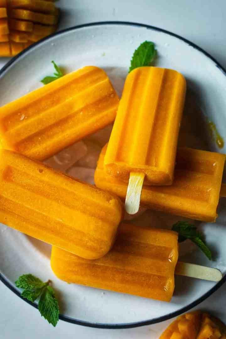 mango popsicles blog-6-011301349031..jpg
