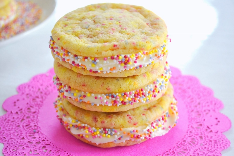 Funfetti Sugar Cookie Sandwiches
