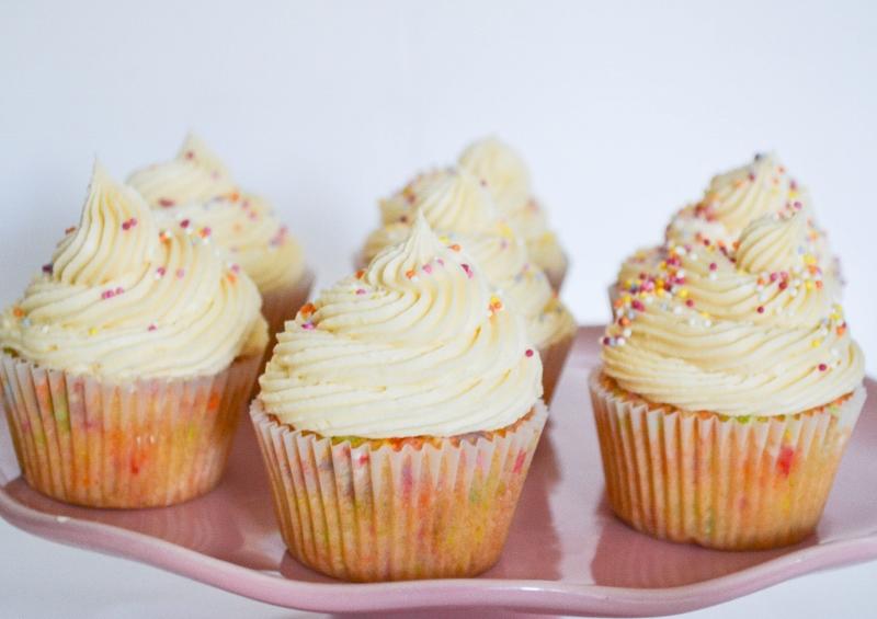 Confetti Funfetti Cupcakes