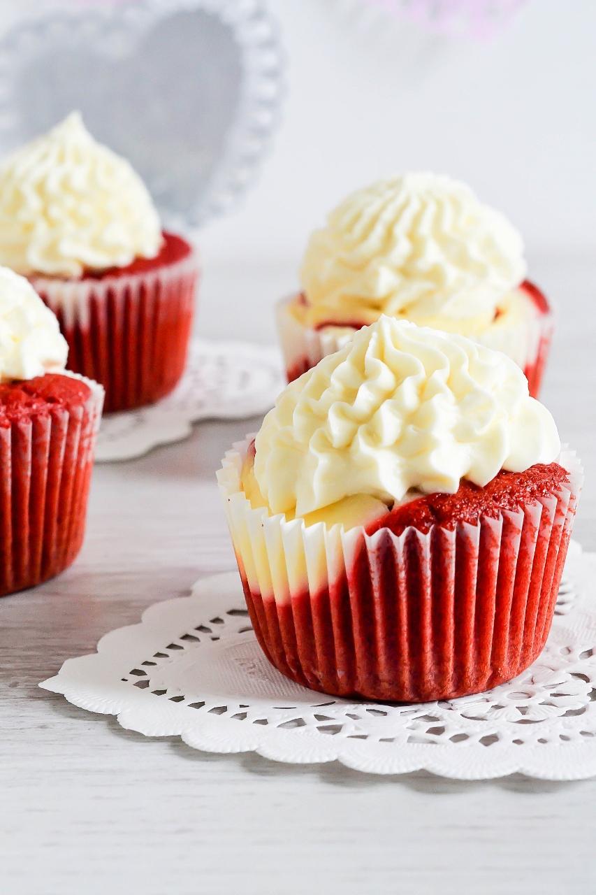 Red Velvet Cheesecake Cake Pops Recipe