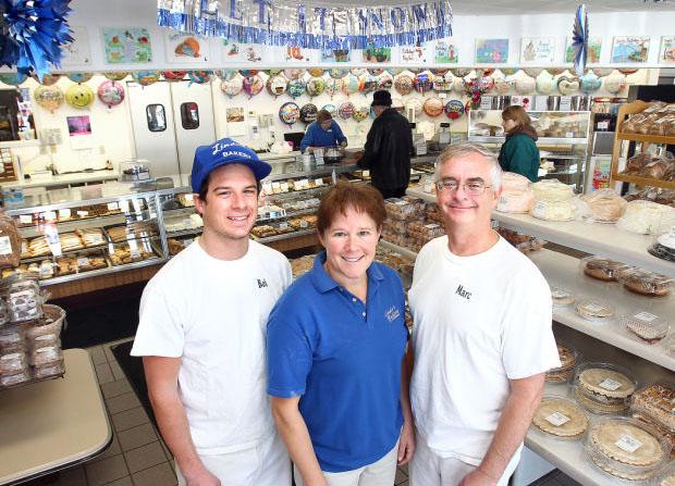 Linda's Bakery - Team
