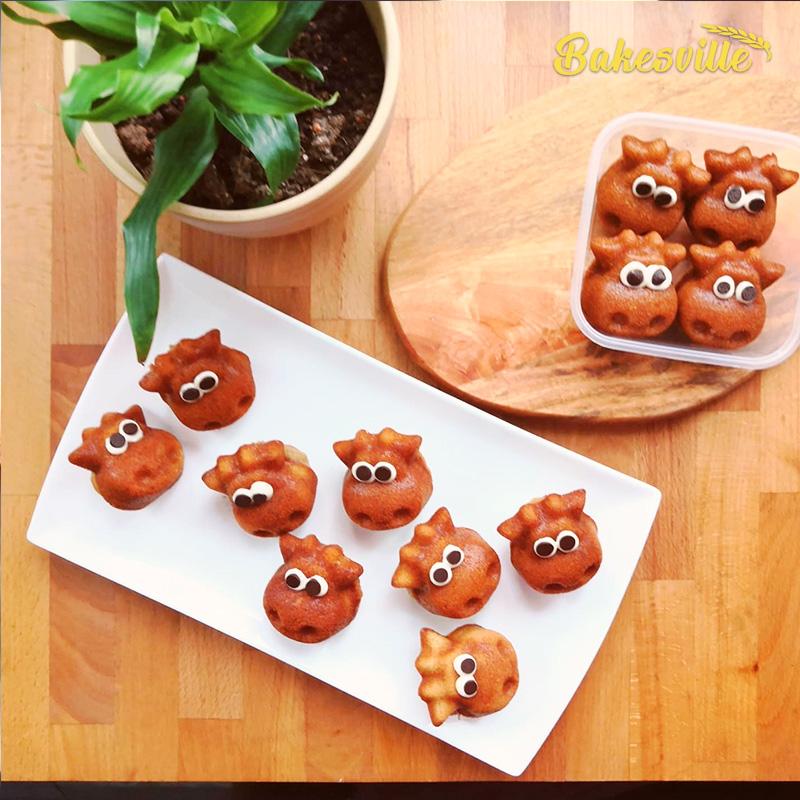 Mini banana walnut muffin