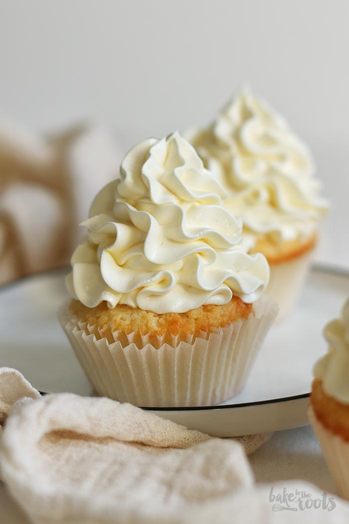 Easy Peasy Vanilla Cupcakes | Bake to the roots
