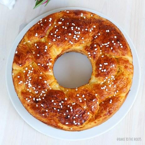 Hefekranz aka. Savarin   Bake to the roots