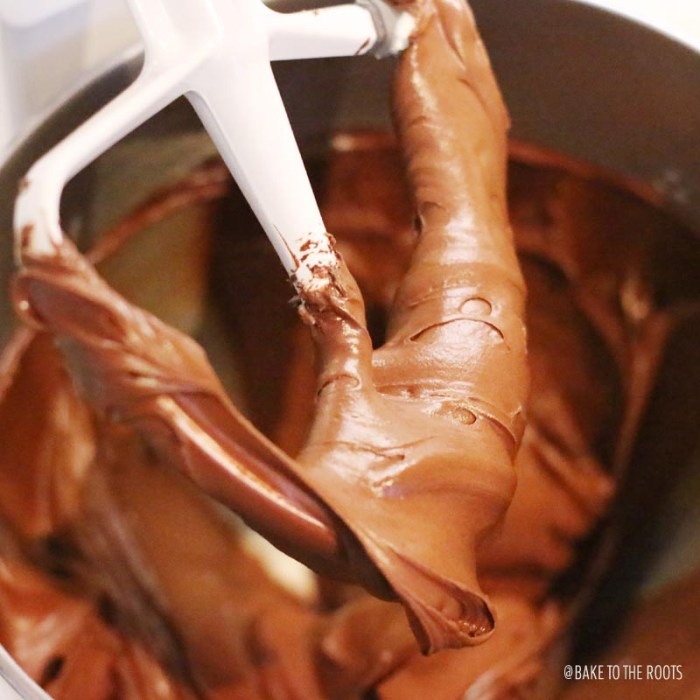 Dark Chocolate Frosting | Bake to the roots