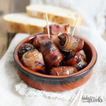 Ciruelas y Dátiles con Bacon | Bake to the roots