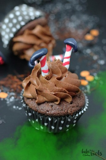 """Halloween Chili Chocolate Cupcakes """"Wicked Witches of the East""""   Bake to the roots"""