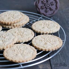 Spekulatius (Gingery Cookies) | Bake to the roots