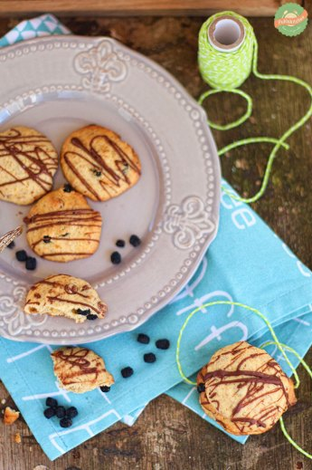 "Chocolate Hazelnut Cookies with Chokeberries | Cookie Friday with ""Puhlskitchen"""