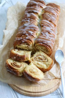 Cinnamon Roll Bread   Bake to the roots