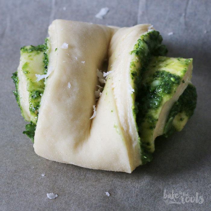 Grünkohl Franzbrötchen   Bake to the roots